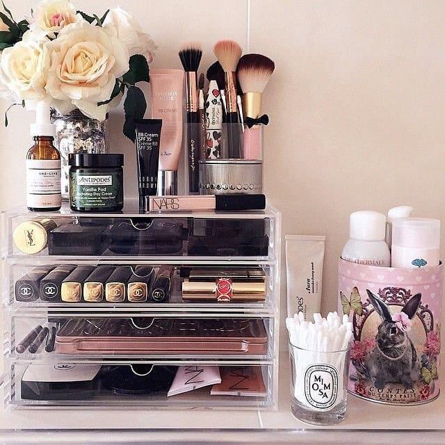 un-organizador-de-maquillaje