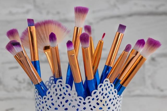 brochas-de-maquillaje-para-sombras