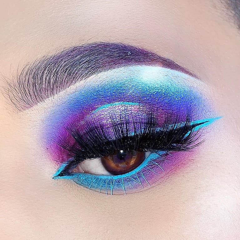 maquillaje-con-sombras-coloridas