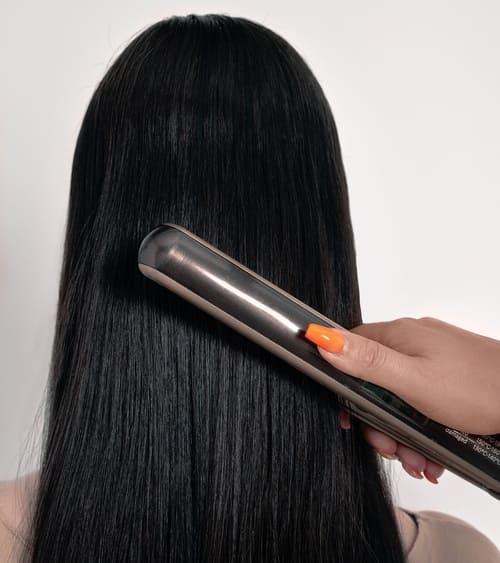 plancha-para-el-cabello-titanio-o-ceramica