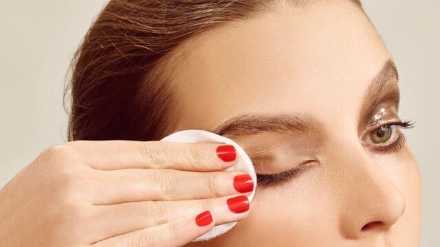limpieza-facial-y-eliminacion-de-maquillaje